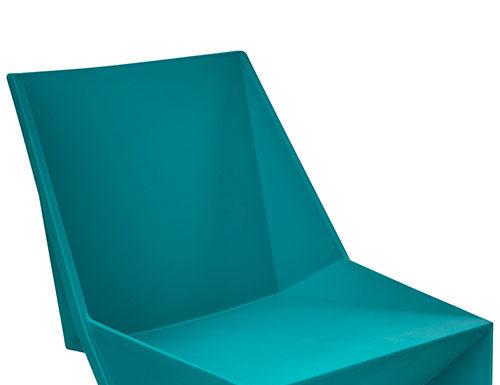 Turkusowe krzesło odmieni Twoje wnętrze.